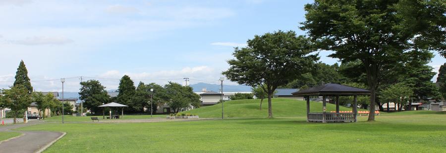 米沢市すこやかセンターの庭